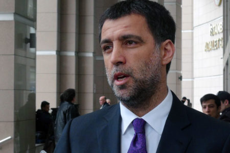 Hakan Şükür'e verilen fahri doktora geri alındı