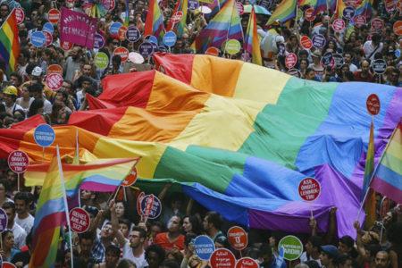 İstanbul Valiliği'nden 'Onur Yürüyüşü'ne izin yok: Çağrıya farklı kesimlerinden ciddi tepki gösterildi