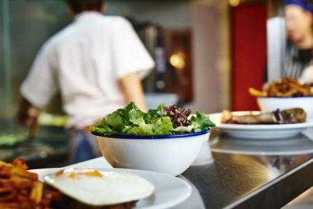 Restoranlardan yüzde 7 ila 10 komisyon alan yemek kartı şirketlerine soruşturma