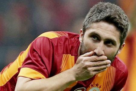 Galatasaray Sabri Sarıoğlu ile yollarını ayırdı