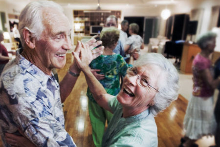 Dans, yaşlıların kemiklerini ve psikolojilerini koruyor
