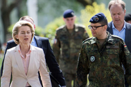 Berlin Türkiye ile savunma projelerini askıya alıyor