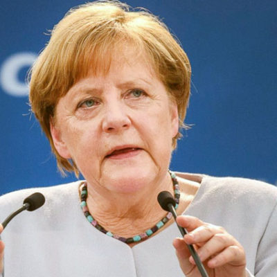 Merkel: En büyük isteğim Yücel'in tahliyesi