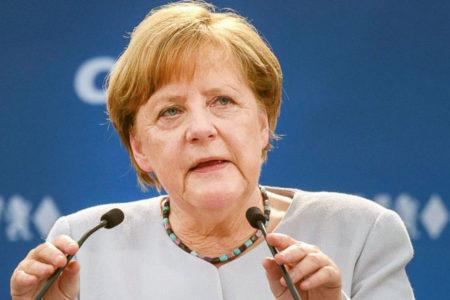 Merkel'e 'Türkiye üzerindeki baskıyı artır' çağrısı