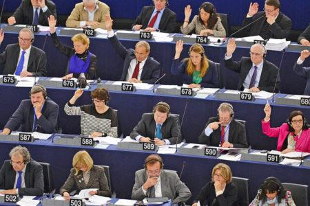Avrupa Parlementosu'ndan 'Türkiye ile müzakereler askıya alınsın' çağrısı