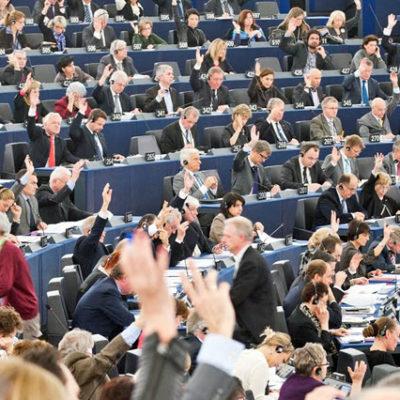 Avrupa Parlamentosu, Türkiye'yle müzakerelerin askıya alınmasını kabul etti