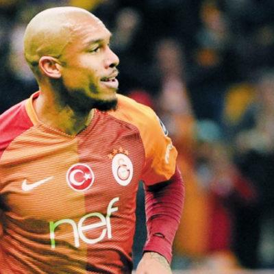 Galatasaray'da dört oyuncuyla yollar ayrılıyor