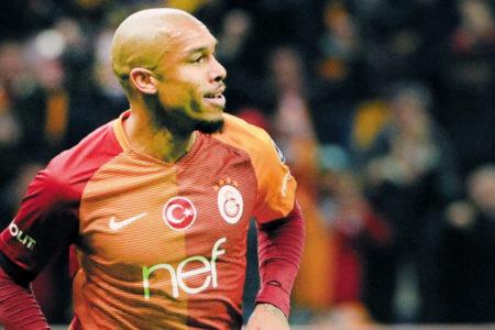 Galatasaray'da iki isme daha yol göründü