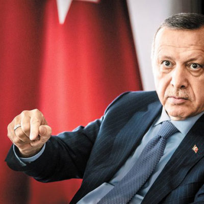 Erdoğan, 'Bana diktatörlüğün tarifini yap' dedi; Alman gazeteci, tutuklu gazetecileri ve işini kaybedenleri hatırlattı