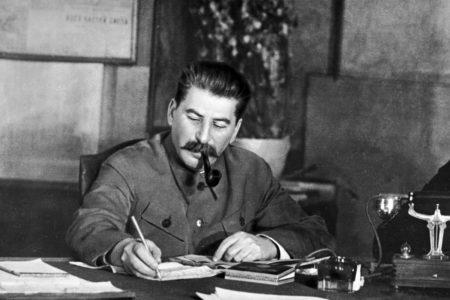 Rusların yüzde 62'si, Stalin'in hatıralarının yaşatılmasını destekliyor