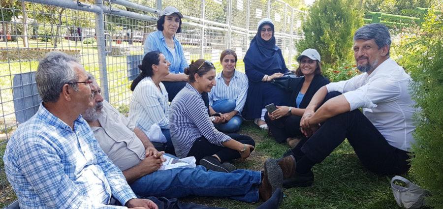 Image result for HDP'li milletvekillerinin başlattığı 'Vicdan ve Adalet Nöbeti'