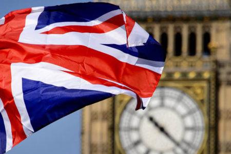 İngiliz şirketlerinin yüzde 40'ı, Brexit'in yatırım faaliyetlerini olumsuz etkilediğini düşünüyor