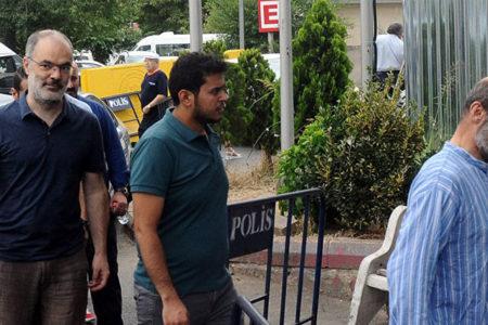 Serbest bırakılan dört aktivist için yakalama kararı