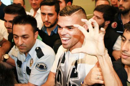 Pepe transferi dünya basınında: Pepe Beşiktaş'ı Paris Saint Germain'e tercih etti