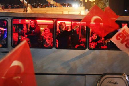 AK Parti seçmenin yüzde 52'si ülkede 'kaygı verici bir kutuplaşma' olduğunu düşünüyor