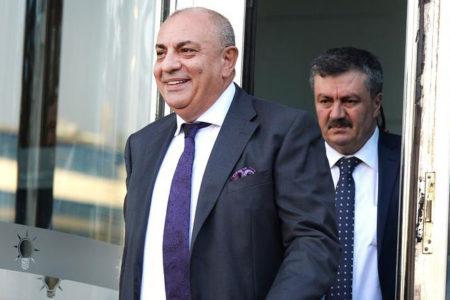 Tuğrul Türkeş, vekilliği düşürülen Figen Yüksekdağ'ın Meclis'teki odasına yerleşti