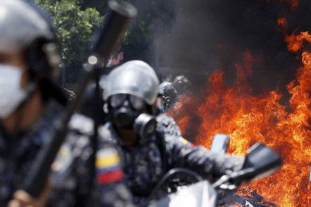 Venezuela'da seçim günü şiddet eylemleri: En az 10 kişi hayatını kaybetti