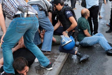 Gülmen ve Özakça'ya destek eyleminde gözaltına alınan 57 kişi serbest