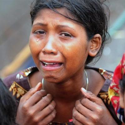 Binlerce Arakanlı Müslüman Myanmar'dan kaçıyor, Bangladeş polisi geri çeviriyor