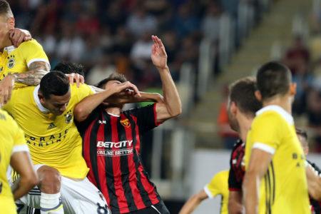 Fenerbahçe turu zora soktur: Vardar 2-0 Fenerbahçe