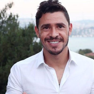 Fenerbahçe, Giuliano ile 4 yıllık sözleşme imzaladı