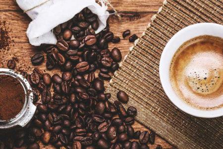 Kahve tüketimi alkole bağlı siroz riskini düşürüyor