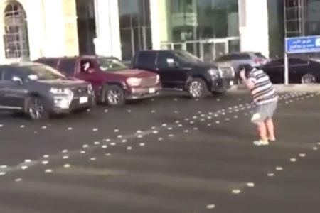 Suudi Arabistan sokaklarında 'Macarena dansı' yapan çocuk gözaltına alındı
