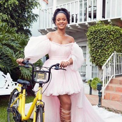 Rihanna'dan Malavi'deki kız öğrencilere bisiklet bağışı
