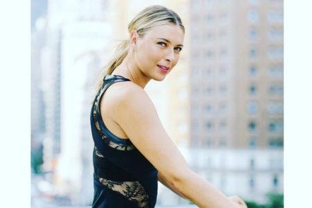 Sharapova, Amerika Açık'ta giyeceği, Swarovski kristalleriyle süslenmiş elbiseyi tanıttı
