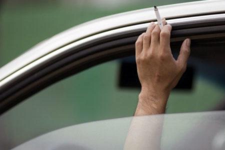 Sigara içme yasağı özel araçları da kapsayacak