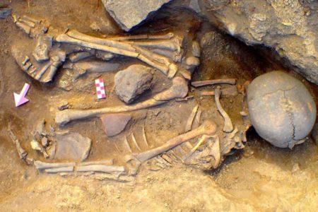 Eskişehir'de 7 bin 500 yıllık mezar bulundu