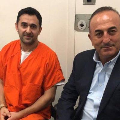 Çavuşoğlu, protestoculara saldıran 2 kişiyi cezaevinde ziyaret etti