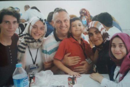 Ağır hasta tutuklu akademisyenin oğlu: Babam yaşam savaşı veriyor