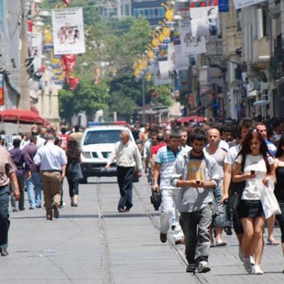 OECD raporu: Türkiye'de yüksek eğitim almış her dört kişiden biri iş bulamıyor