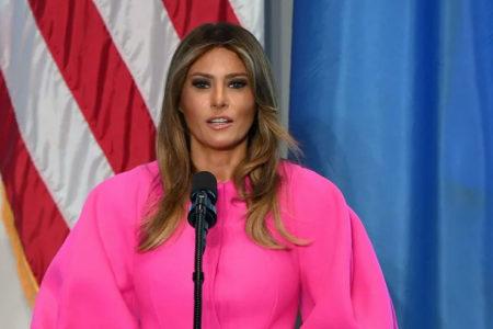 First Lady Melania Trump, elbisesiyle sosyal medyanın gündeminde