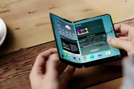 Samsung katlanabilir modeliyle Apple'ı gölgede bırakmayı hedefliyor