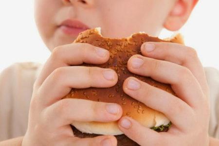 Çocuk ve gençler arasındaki obezite oranları 10 kat arttı