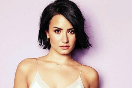 Demi Lovato: Uzun yıllar uyuşturucu ve alkolü bırakmak için mücadele verdim