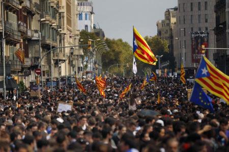 İspanya merkezi hükûmeti, Katalonya kurumlarına kayyum atamaya hazırlanıyor