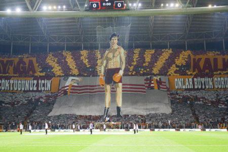 The Guardian: Türkiye, Galatasaray taraftarlarına Rocky pankartından 'Gülenist' soruşturması açtı