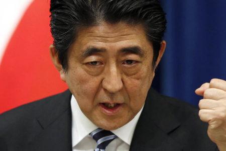 Abe, Japonya'daki erken seçimlerde güven tazeledi