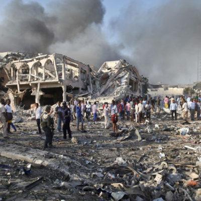 Somali'de bombalı saldırı: En az 230 kişi hayatını kaybetti