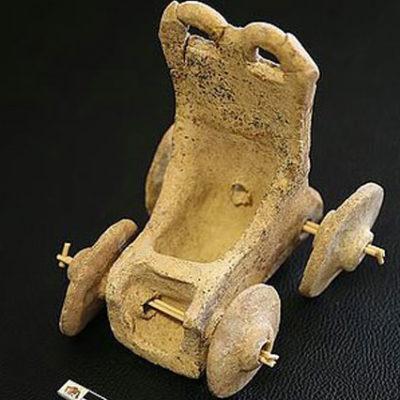 Şanlıurfa'da 5 bin yıllık oyuncak araba bulundu