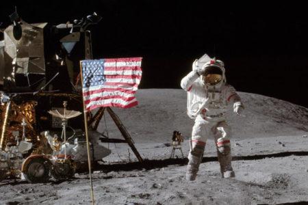 Efsanevi Ay fotoğrafları açık artırmayla satılacak