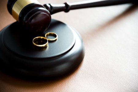 Times: Yunanistan'da sahte boşanmalar artıyor