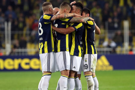 Fenerbahçe, Soldado ile uyandı, Sivas'ı 4-1'le geçti