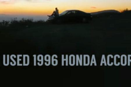 Kız arkadaşının 96 model arabasını satabilmek için profesyonel reklam filmi çekti