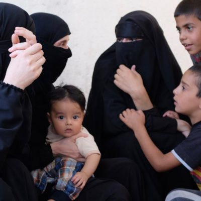 Irak IŞİD'lilerin eşleri ve çocuklarını sınır dışı edecek