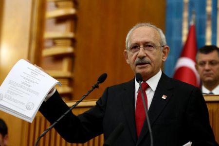 Kılıçdaroğlu'nun ifşa ettiği yolsuzluk belgeleri hakkında AKP'den çelişkili açıklamalar