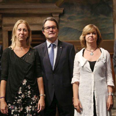 İspanya'da savcılık Katalan bakanlar hakkında hapis cezası istedi
